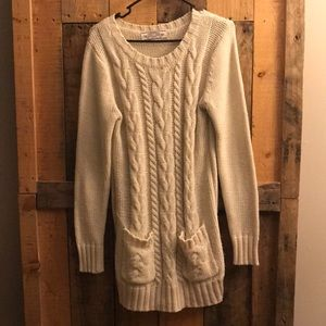 White cable knit sweater dress with pockets